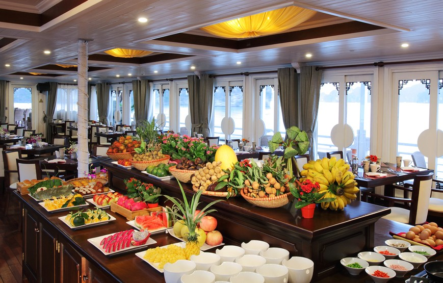 halong-bay-luxury-cruises-fine-dinning