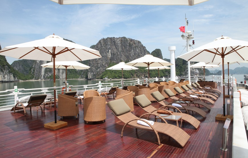halong-bay-luxury-cruises-sundeck