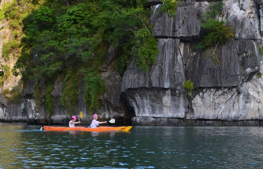 Halong-Bay-Kayaking